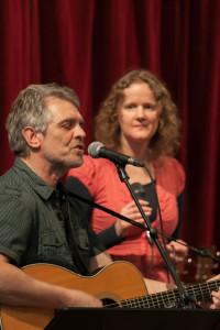 Iain Matthews en Linde Nijland